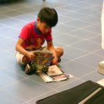 Aquí la nueva generación interesada en los comics.