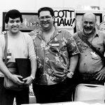Óscar González Loyo y Óscar González Guerrero (q.e.p.d.) con Scott Shaw dibujante de Hanna Barbera en cómics y creador del Capitan Zanahoria.