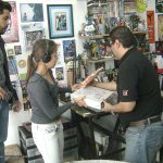 Amigos de Alta Definición, enviados por Álvaro Cueva, vinieron a ¡Ka-Boom! Estudio para entrevistarnos y grabarnos para el Especial de los Simpson a través de Proyecto 40.