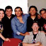 Aquí estamos con Adal Ramones en sus oficinas, ya que estabamos en el proyecto de su cómic, el cual nunca se concretó, pero trabajamos muy a gusto con Adal.