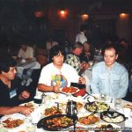 Susy Romero y Óscar González Loyo compartiendo la cena con Phil Yeh, Jean-Mark Lofficier y Randy Lofficier representantes de artistas de comics y autores de libros.