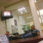 Aquí estamos en Televisa San Ángel, cuando realizábamos el cómic de RBD, esperábamos nuestra cita con el productor y actor Pedro Damián.