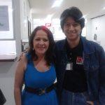 Norihiko Matsumoto con la simpática actriz Mexicana Nora Velázquez, quien interpreta a la mojigata Chabela o Chabelita.