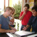 Durante una de sus visitas a México, el genial artista del cómic francés Francois Boucq, pidió a la embajada francesa que le dieran un día libre para convivir con nosotros en nuestro Estudio, es un buen amigo y la pasamos increíble, con el vino la periodista canadiense Nathalie Olivier.