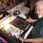 Recibimos en el Estudio a nuestro buen amigo Román Arámbula, quién participó en las animaciones de Rocky y Bulwinkle, Supercan, El Rey Leonardo, etc., animaciones que se realizaron en México. Después en 1967, Román emigró a Estados Unidos, y por 15 años fue el dibujante oficial de la tira de Mickey Mouse para Walt Disney.
