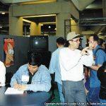 Bill Morrison Director General de los comics de los Simpson, y Óscar González Loyo, haciendo bocetos rápidos al público y autografiando en el stand de Bongo Comics.