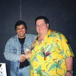Aquí Óscar González Loyo con Scott Shaw, un viejo amigo de la Comic Con y miembro también del staff de Bongo Comics.