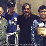 Óscar González Guerrero (q.e.p.d.), creador de Hermelinda Linda, Ricardo Cachoua, el jefe Matt Groening y Óscar González Loyo festejando el premio Eisner ...gracias a Bart Simpson.