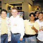 Horacio Sandoval con el jefe Bill Morrison y los amigos de Bongo Comics.
