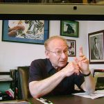 Fred Ladd quien tiene los derechos de Astroboy, Gigantor y Kimba para EUA. El fue el introductor del Manga y del Anime en Estados Unidos. Al Fondo se ve una ilustración de Óscar González Loyo de Gigantor, aquí conocido como el Hombre de Acero.