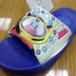 """Aplicaciones de los personajes de """"BubbleGummers"""", para el propio calzado."""