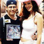 Tonatiuh Rocha con Julie Strain, que salía en el canal Playboy y quien era esposa de Kevin Eastman, creador de las Tortugas Ninja y editor de Heavy Metal.
