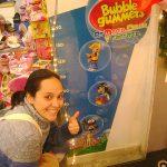 Aplicaciones de BubbleGummers para Material POP y Decoración de puntos de venta.